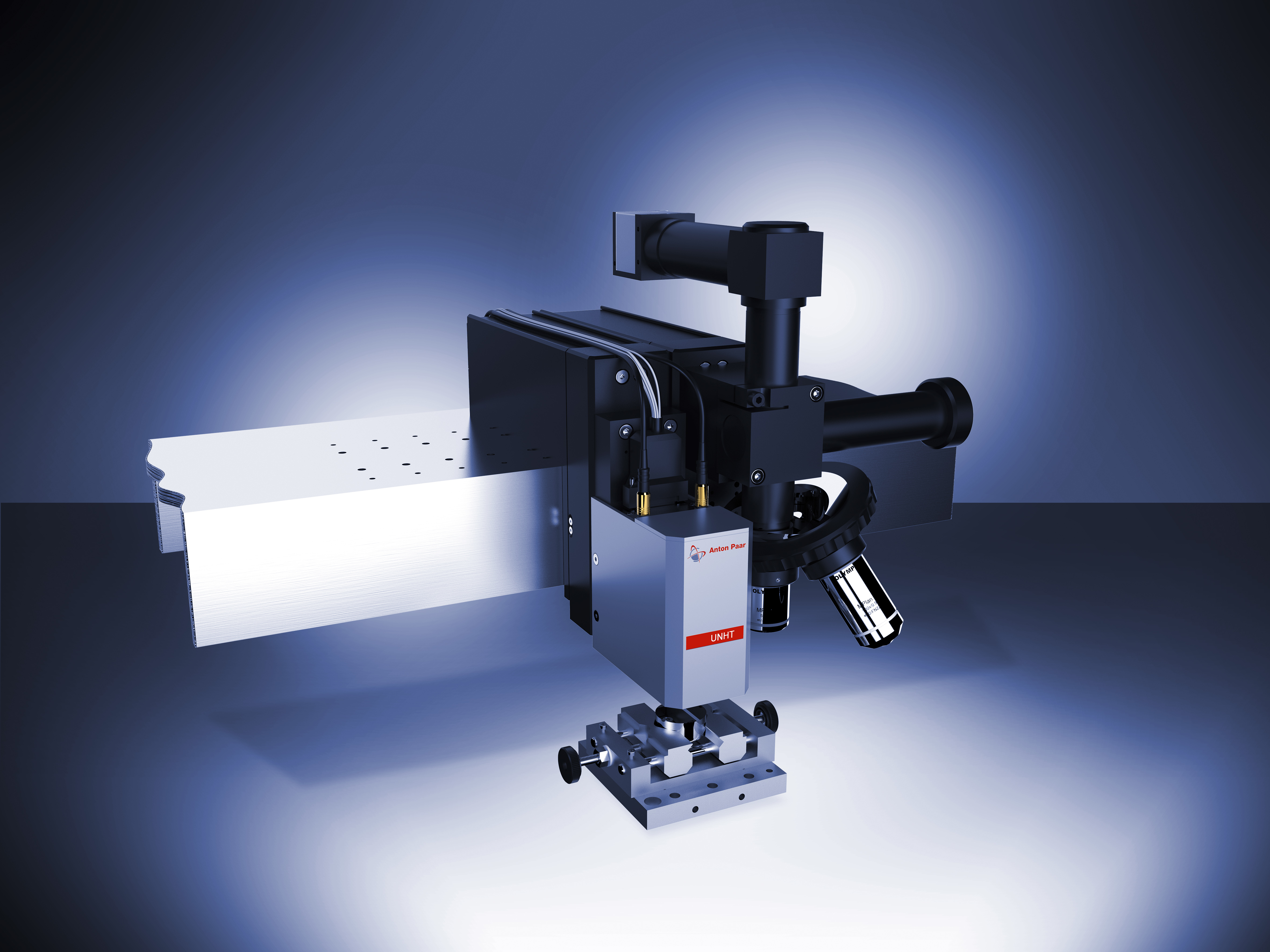 Рис. 2: Модуль УльтраНаноиндентирования и Видеомикроскоп на балке платформы